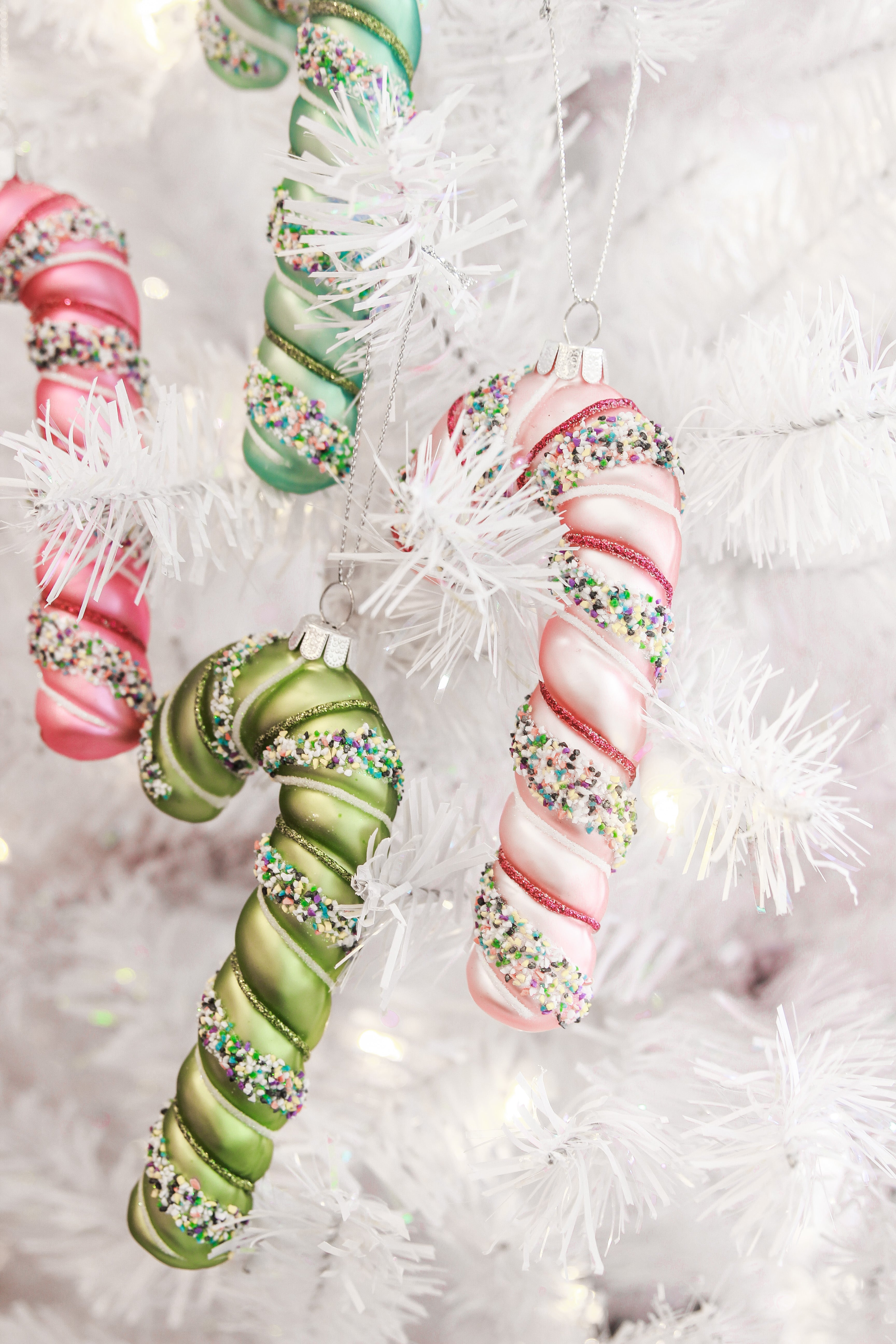CUTE CANDY CANE ORNAMENT