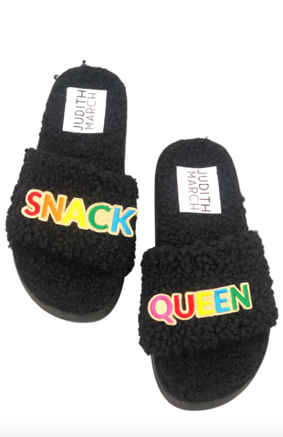 SNACK QUEEN BLACK SLIDES