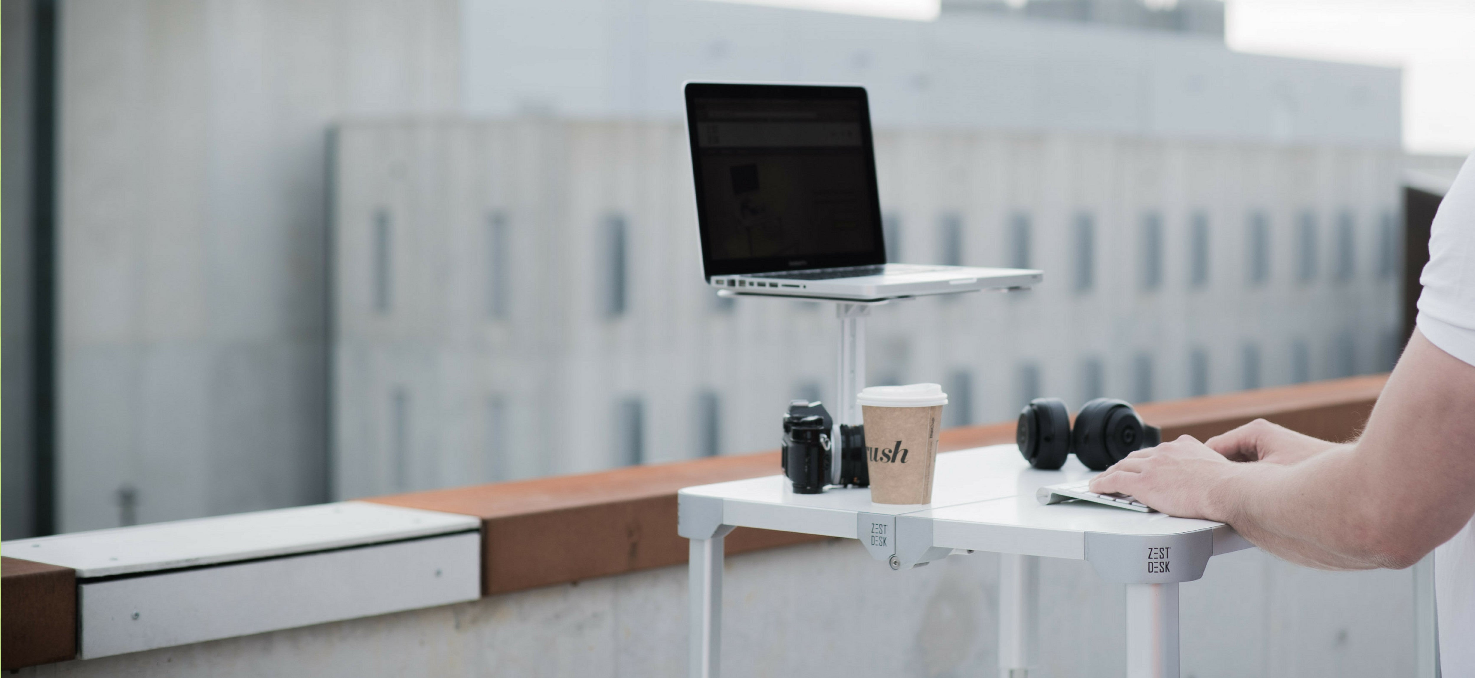 stand & workanywhere.