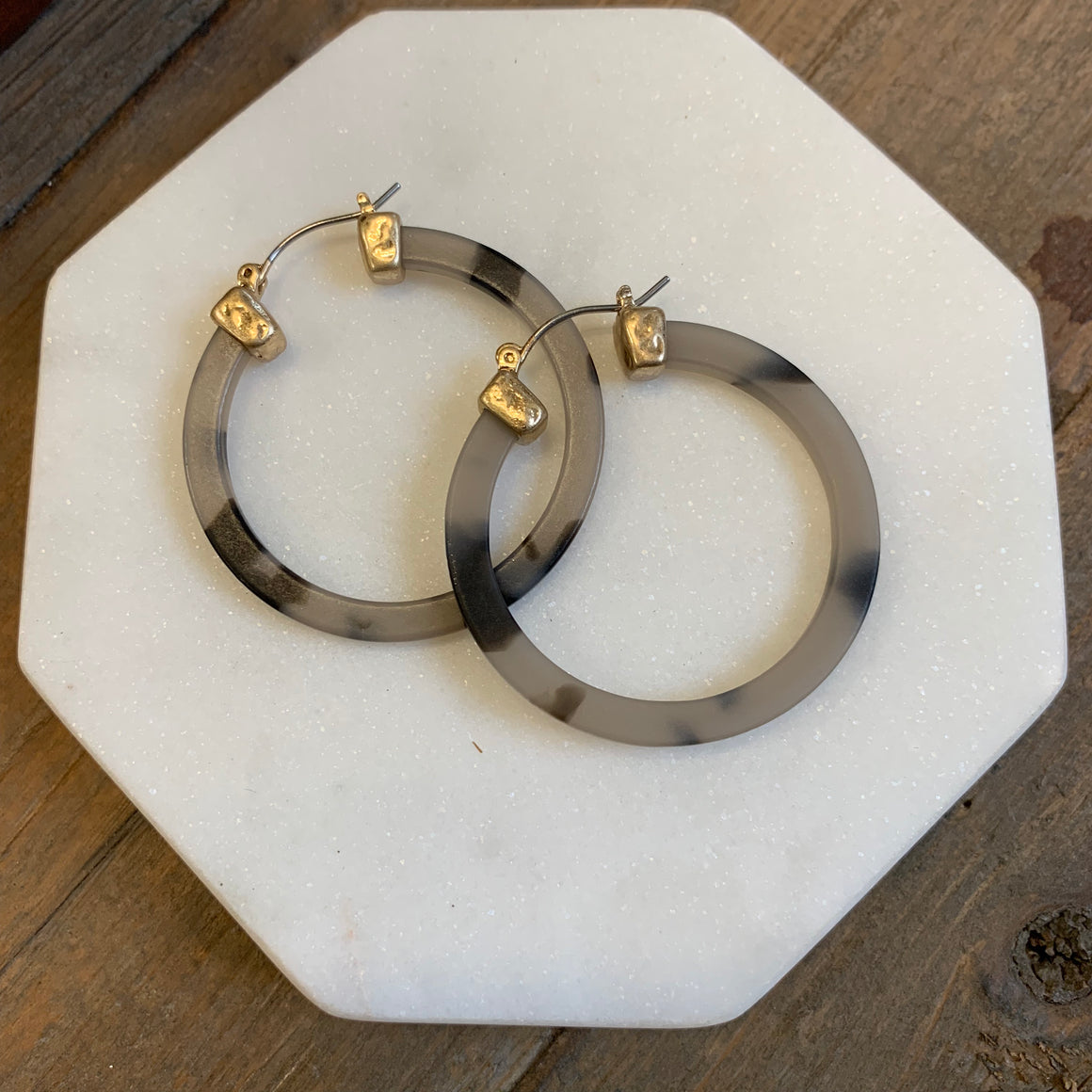 Matte Tortoise Hoop Earrings - pretty-simple-2