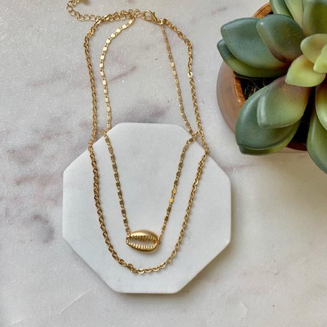 Shell Charm Layer Necklace - pretty-simple-2