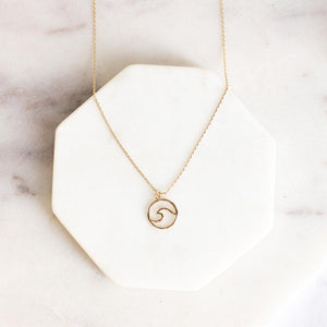 Round Wave Pendant Necklace