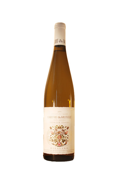 Lightfoot & Wolfville Riesling 2015