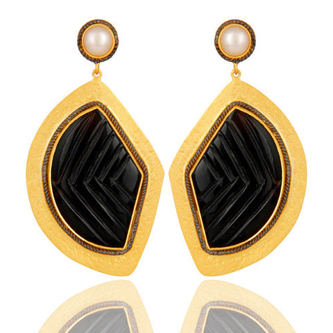 18K Yellow Gold Plated Sterling Silver Black Onyx And Pearl Dangle Earrings - Sumana