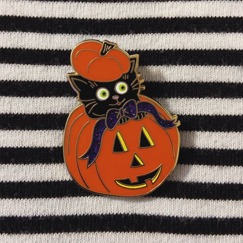 Pumpkin Kitten Lapel Pin