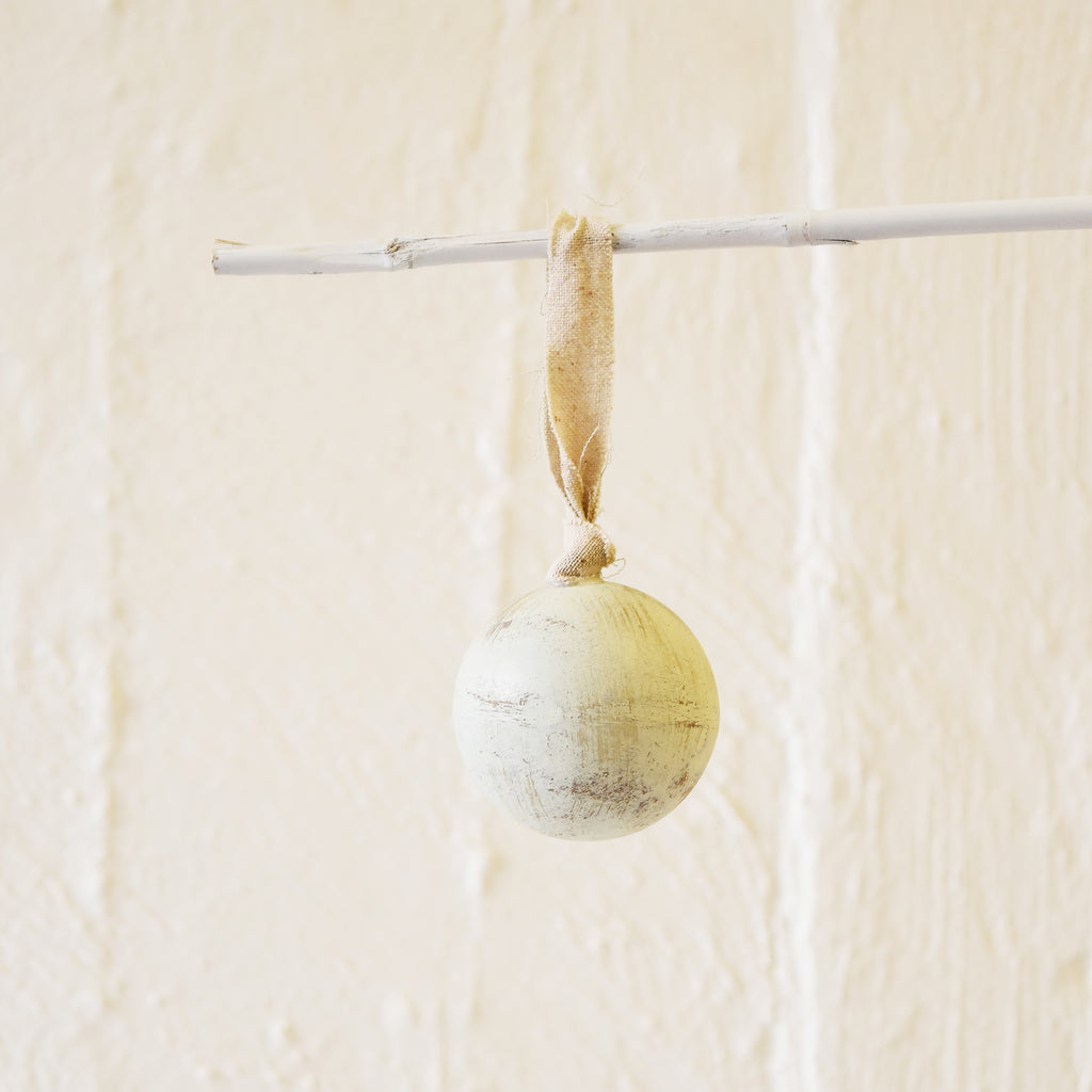 Wooden White Ball Decoration