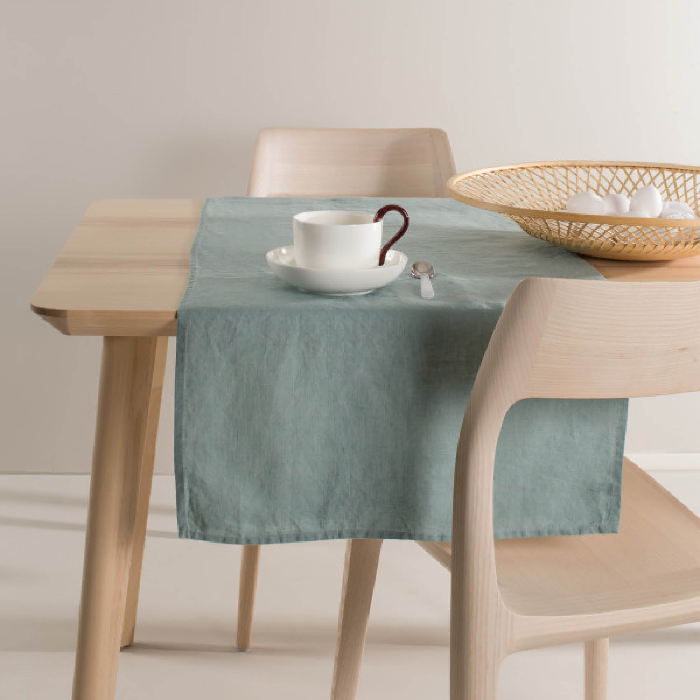Himla Table Runner in Balance