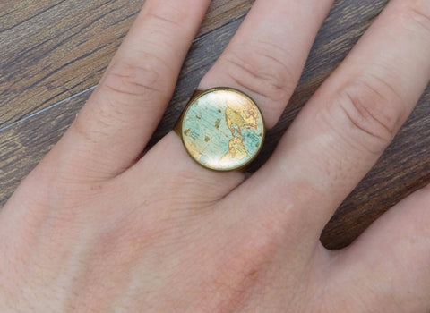 Adjustable World Map Ring in Gold