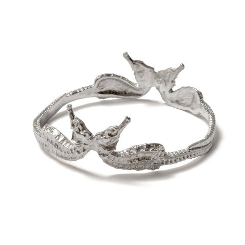 (SALE) Conjoined seahorse bangle ~ (polished silver)