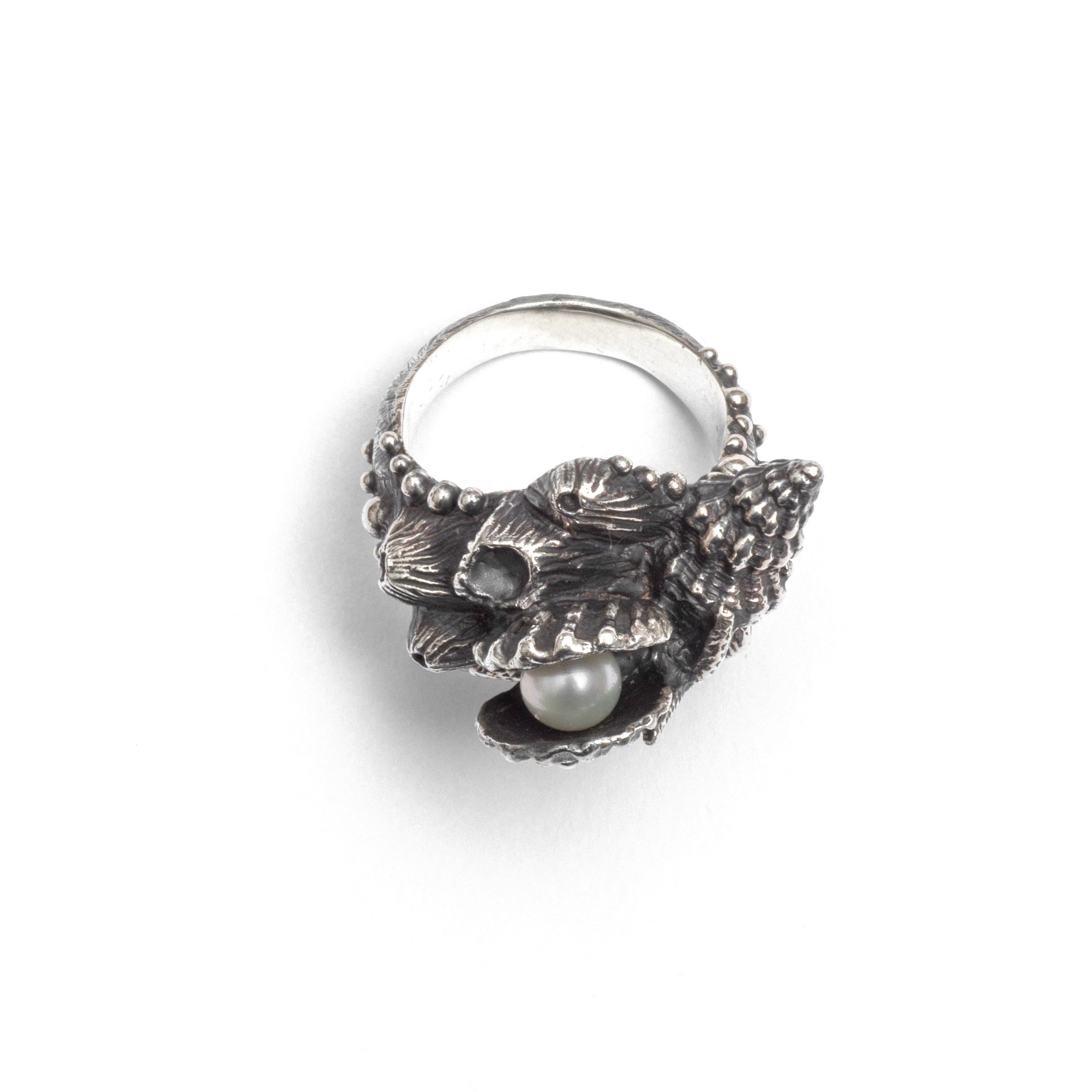 Anthemusa ring ~ (blackened silver)