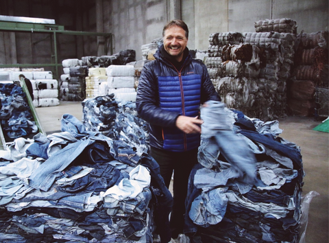Mud jeans makes new jeans out of discarded denim