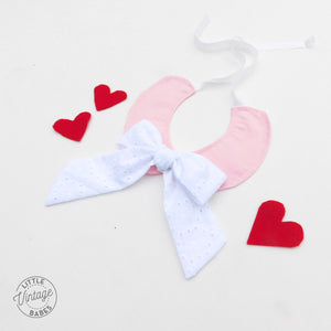 Sweetheart Bow Collar