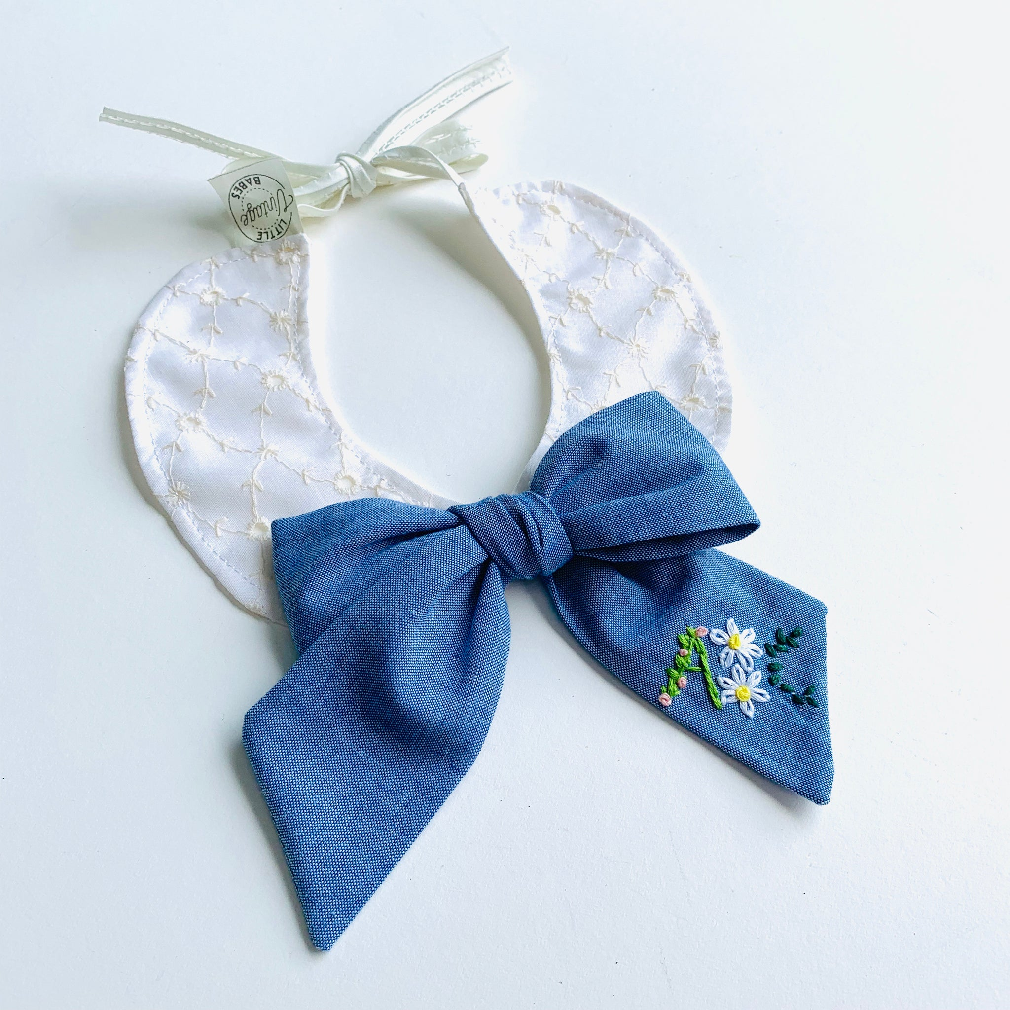 The Class President Bow Collar