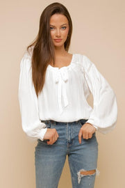 H E L L O  Fall White Top