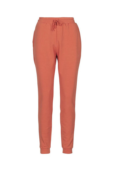 harvestclub-harvest-club-leuven-by-signe-trish-sweatpants-red