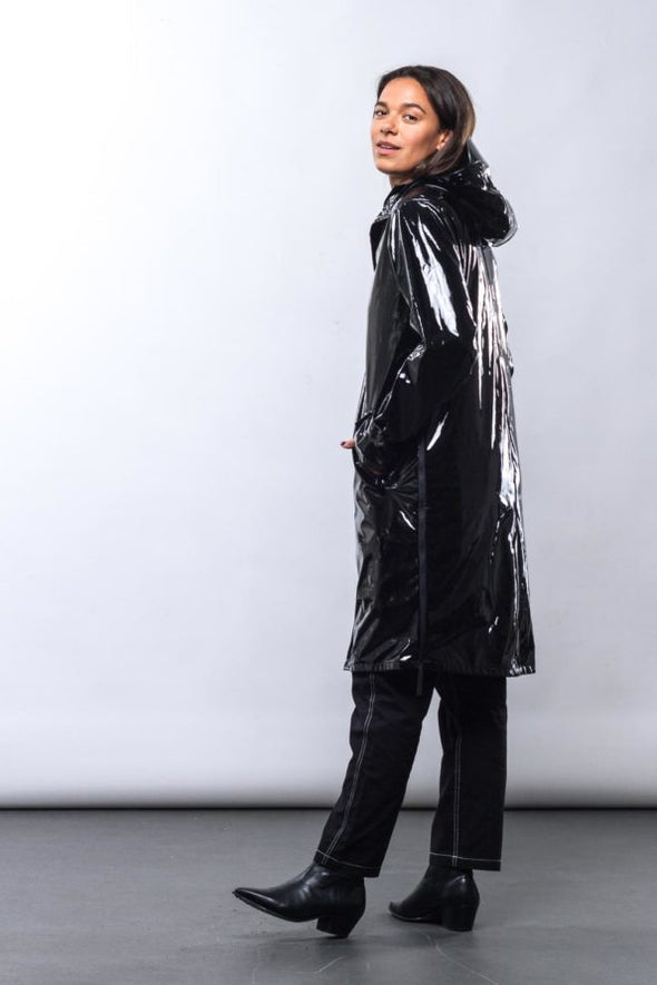 MAIUM Raincoat • Black Lac