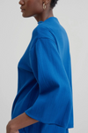 harvestclub-harvest-club-leuven-kowtow-funnel-neck-top-electric-blue