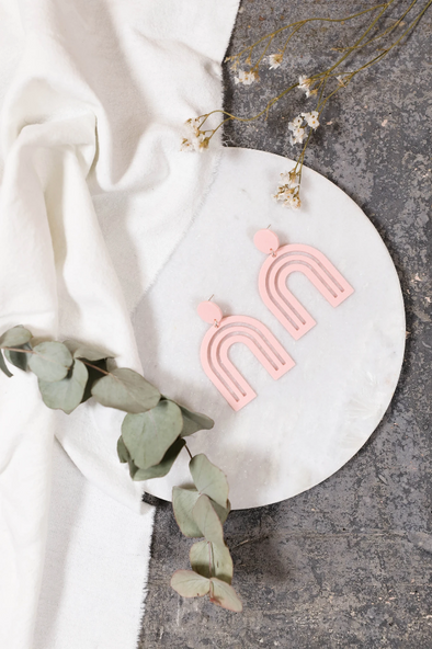 harvestclub-harvest-club-leuven-nief-collectief-arc-en-ciel-earrings-pastel-pink