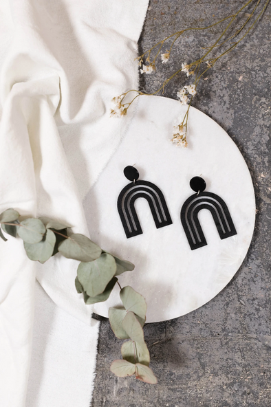 harvestclub-harvest-club-leuven-nief-collectief-arc-en-ciel-earrings-black