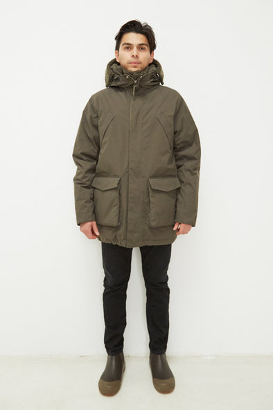 Harvestclub-Harvest-Club-Leuven-embassy-of-bricks-and-whitecourt-parka-black-olive