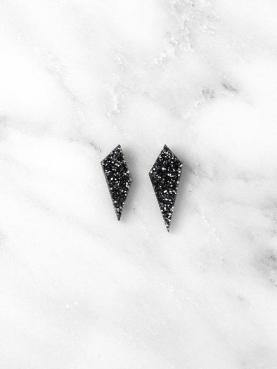 harvestclub-harvest-club-leuven-wolf-moon-mini-shard-studs