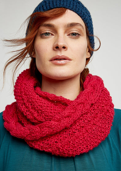 People Tree Cable Snood • Pink