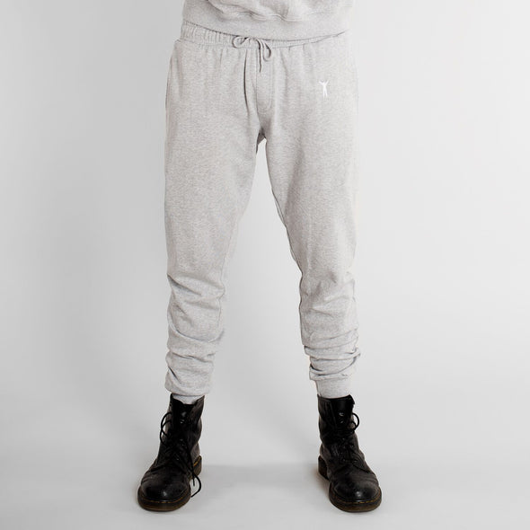 harvestclub-harvest-club-leuven-dedicated-joggers-lund-rocky-pose-grey-melange