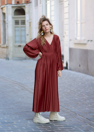 JAN 'N JUNE Maxi Dress Ellis Plissee • Framboise