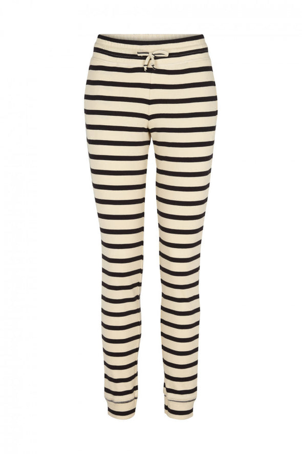 harvestclub-harvest-club-leuven-pop-up-shop-maritime-pants-off-white-navy-stripes