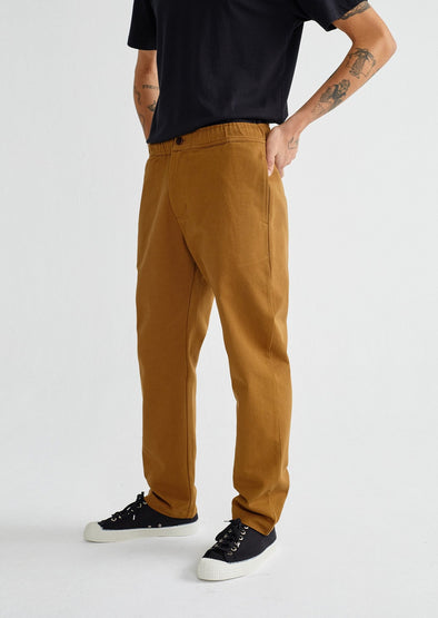harvestclub-harvest-club-leuven-thinking-mu-travel-pants-caramel