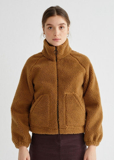 harvestclub-harvest-club-leuven-thinking-mu-trash-hebe-fur-jacket-caramel