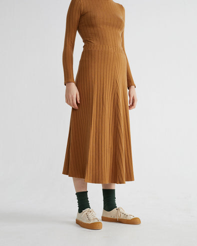 harvestclub-harvest-club-leuven-thinking-mu-trash-satis-skirt-caramel