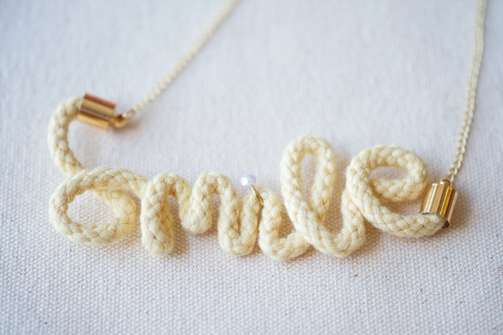 Crocheted Smile Necklace - Cream