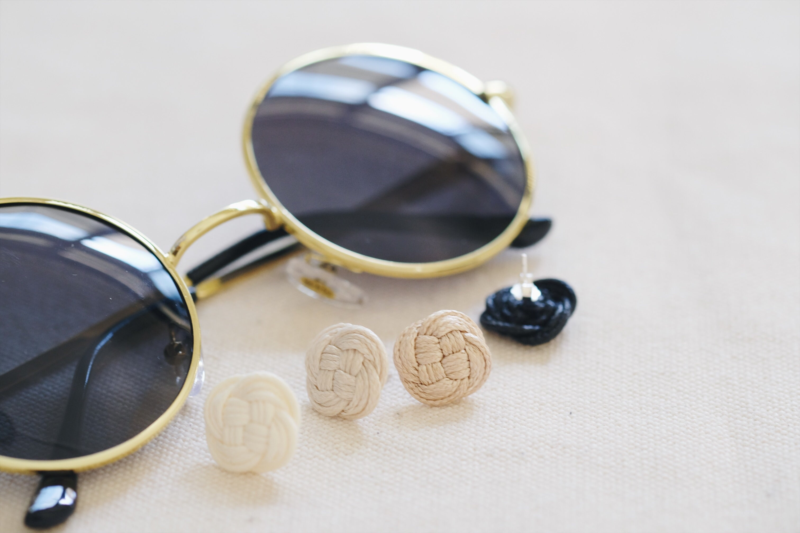 Double Coin Ear Studs - Black