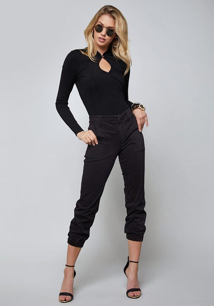 NOMAD CROP CARGO PANTS FASHION DENIM - bebe Arabia