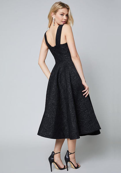 AVERY JACQUARD DRESS Special Occasion Dresses - bebe Arabia