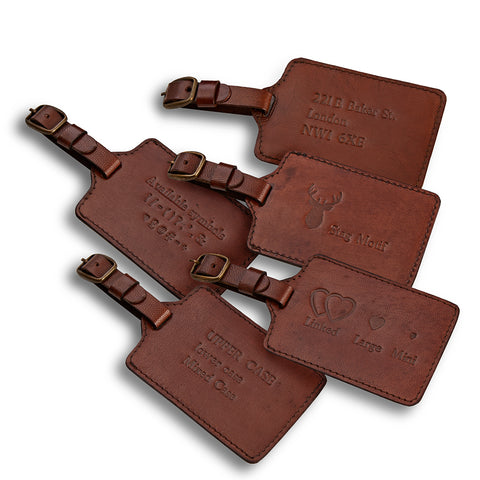Leather luggage tag showing personalisation options