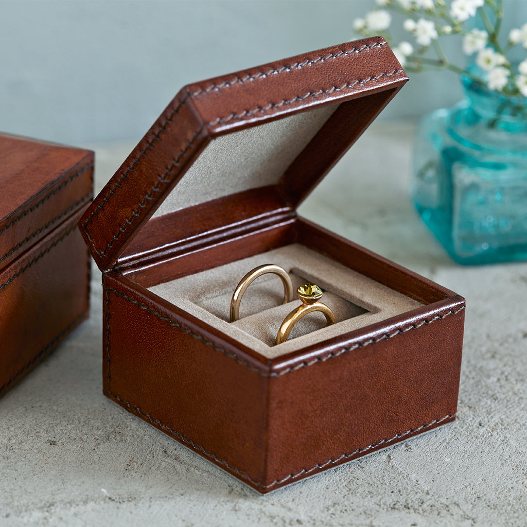Double leather wedding ring box in conker brown