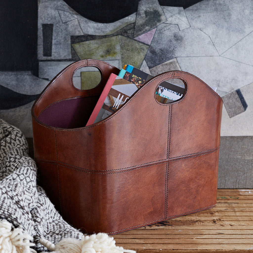 conker brown curved basket for magazine