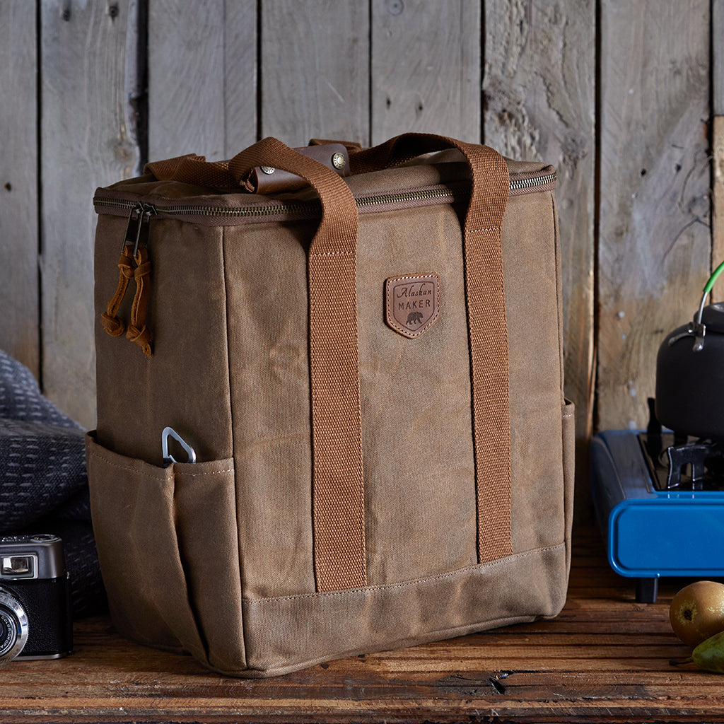 Waxed Canvas Cool Bag - Insulated for hot food too.