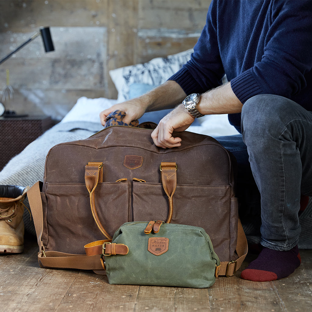 Tabaco weekend bag with Khaki  wash bag
