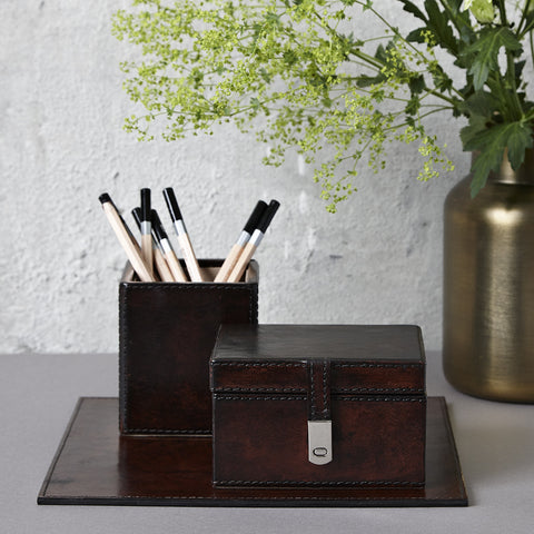 Dark brown leather desk set incl. pen box and mouse mat