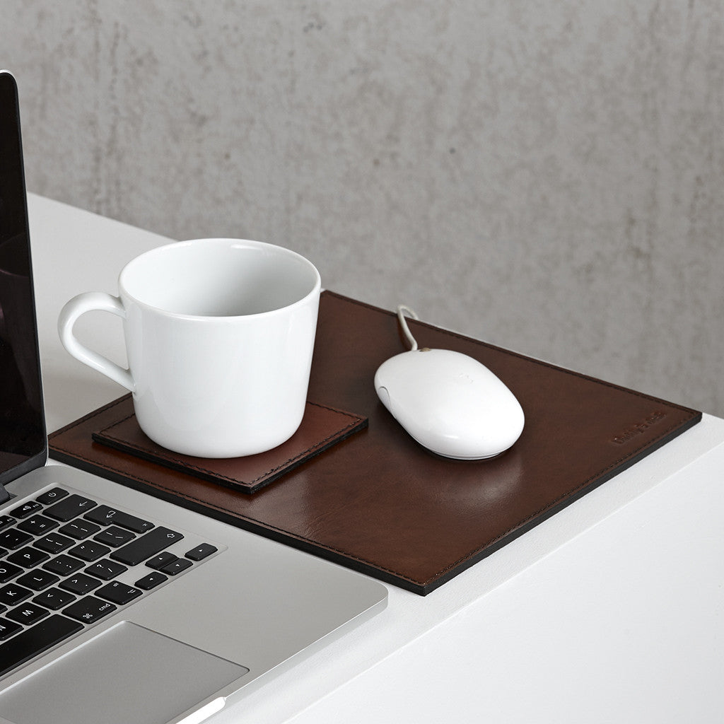 Conker brown mouse mat and square coaster