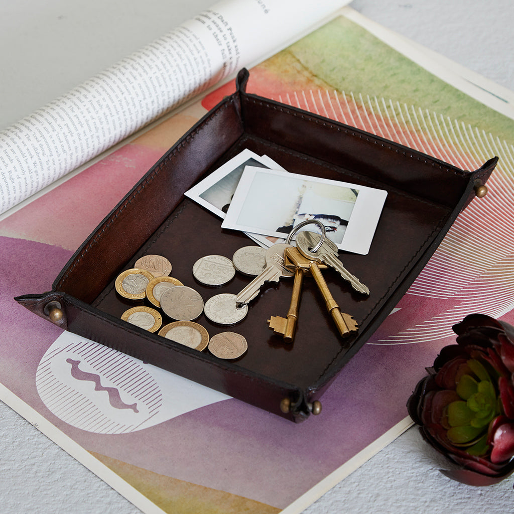 Dark brown coin tray