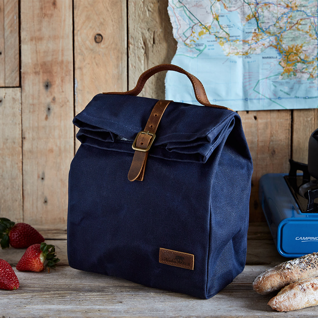 navy lunch bag with buckle
