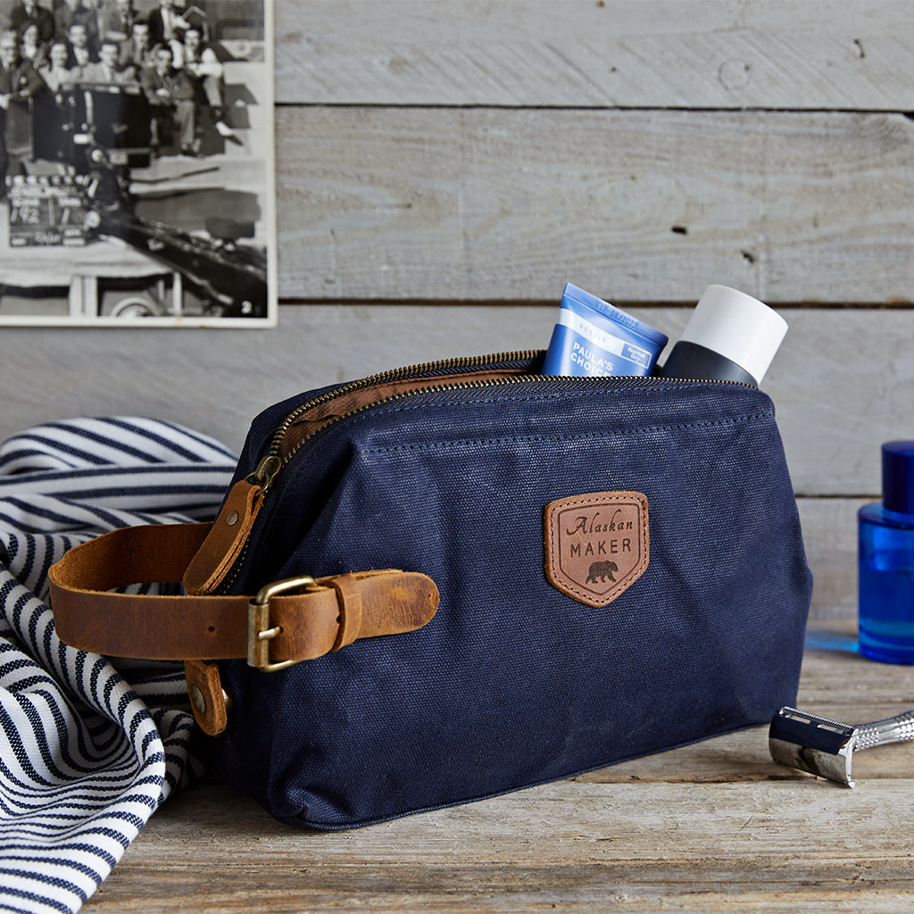 navy washbags