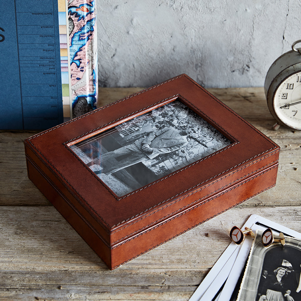 conker leather photo box closed