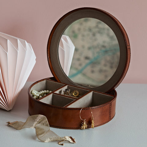 Round Leather Jewellery Box open