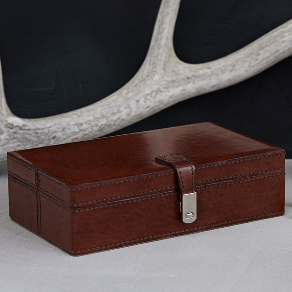Sectioned cufflink box with six sections