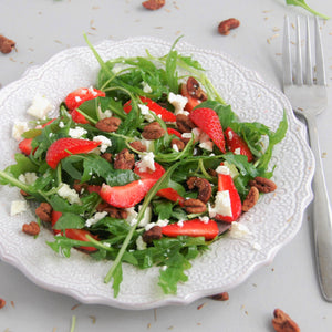 Delicious Rocket and Strawberry Salad with Hickory Nuts and Feta – GF